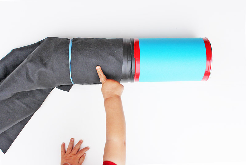 how to make a camera obscura with a pringles can