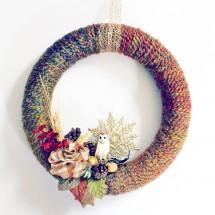 DIY-Wreath-Tutorial-Yarn-Wreath-from-Babble-Dabble-Do-hero1