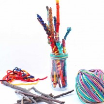 Easy Crafts for Kids: Yarn Sticks. Make them as standalone craft or for use in other projects.