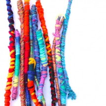 Easy-crafts-for-kids--Yarn-sticks-BABBLE-DABBLE-DO--title-pic1