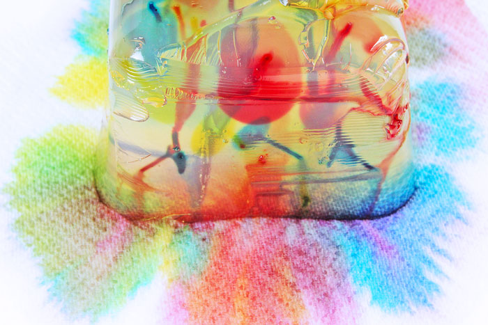 Weird and wonderful science and art activity for kids: Gelatin Streaking.