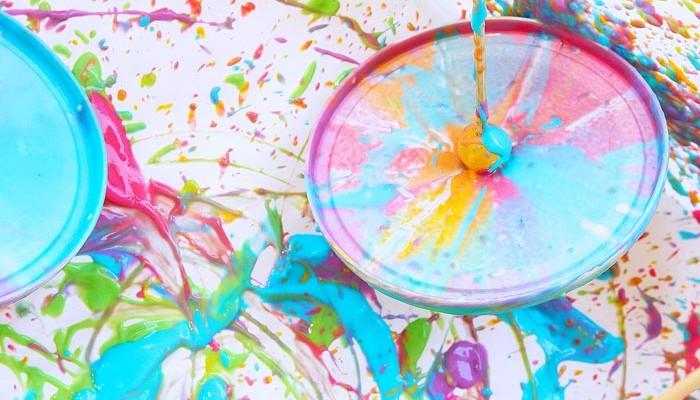 Easy Art Activity: Yoghurt Spin Art Tops